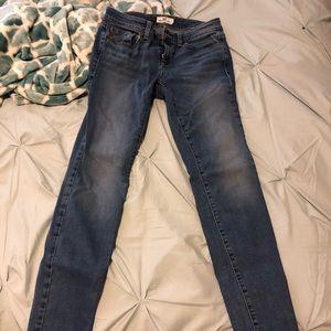 Vineyard vines skinny light wash jeans